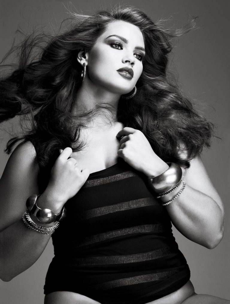 Cristal Rennes Plus-size model
