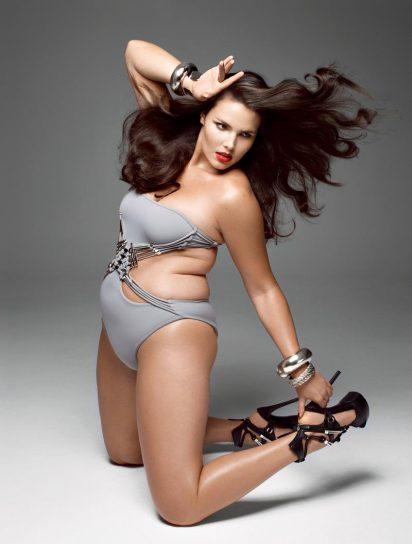 Tara Lynn plus-size model