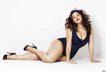 Hot plus size models