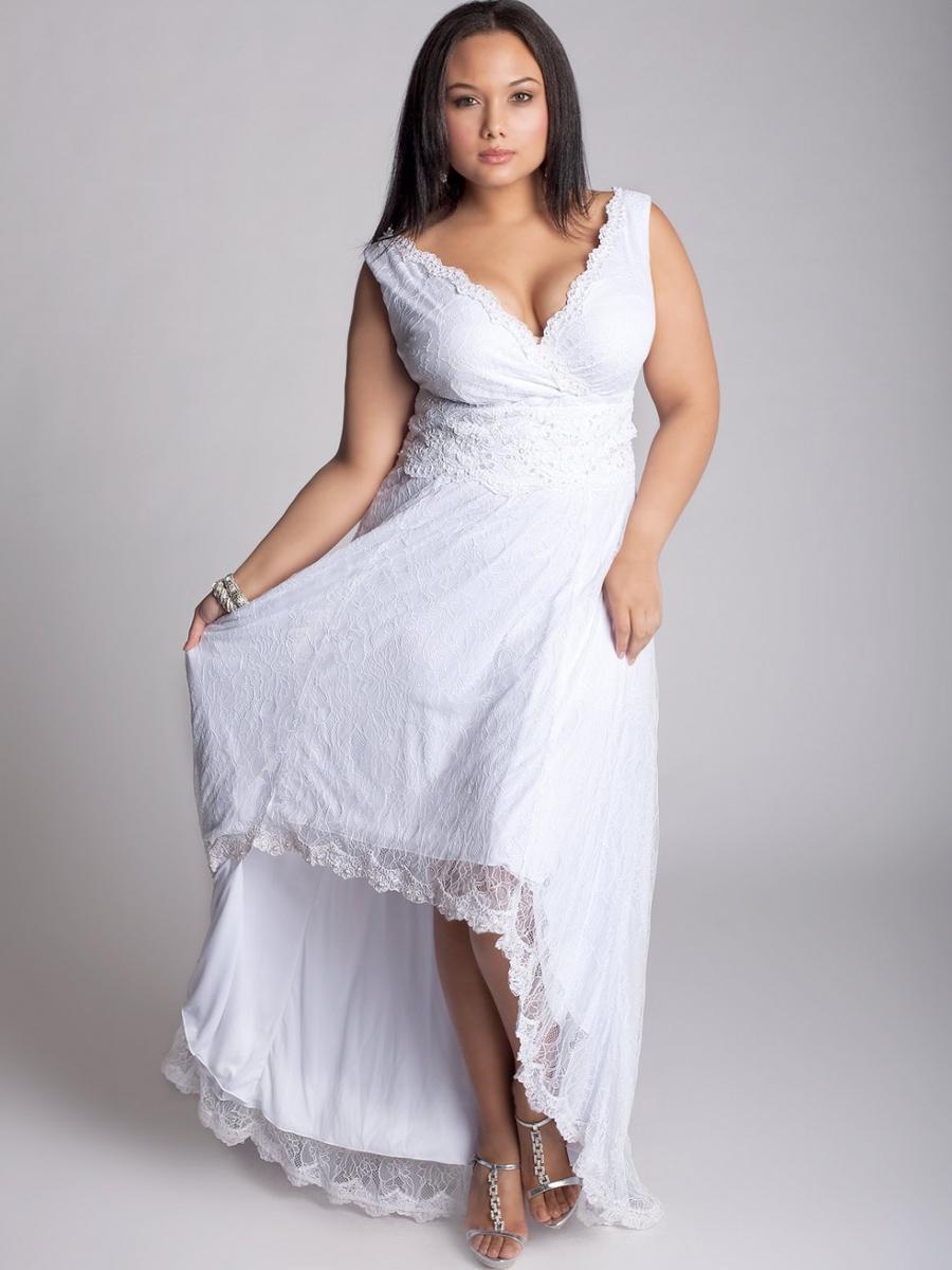 wedding dress plus size beach