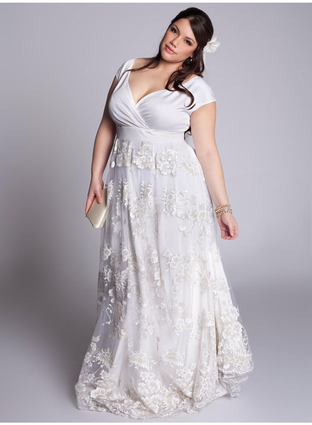 wedding dress plus size beach